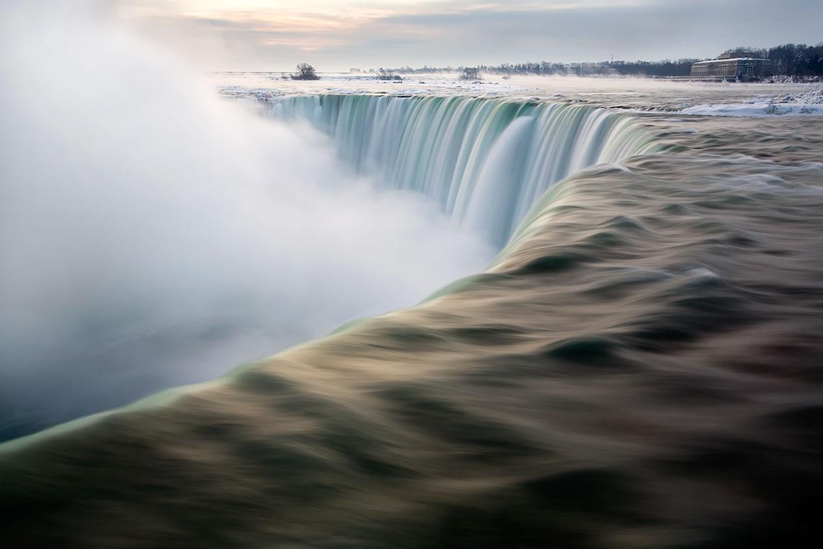 Horseshoe Falls at Dawn